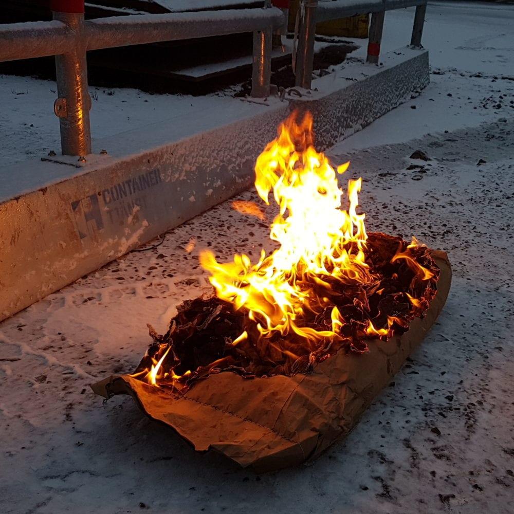 tjältining eldning i påse